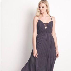 Ali & Jay Pleated Maxi Dress Size L